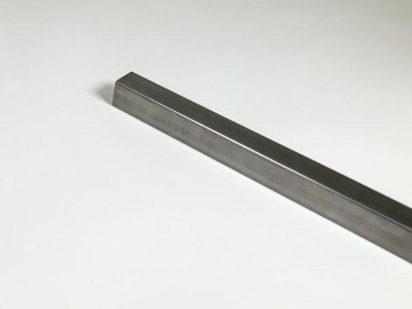 Koker in blank staal